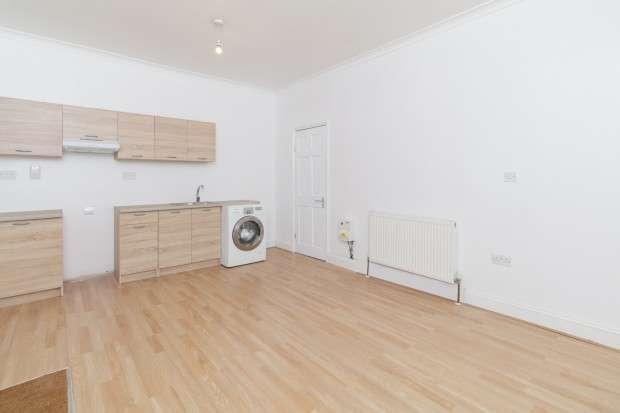 Studio Flat for rent in Sun Lane, Gravesend, DA12