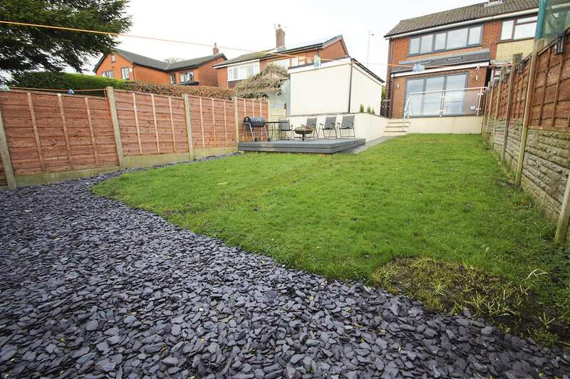 3 Bedrooms Semi Detached House for sale in Victoria Road, Horwich, Bolton