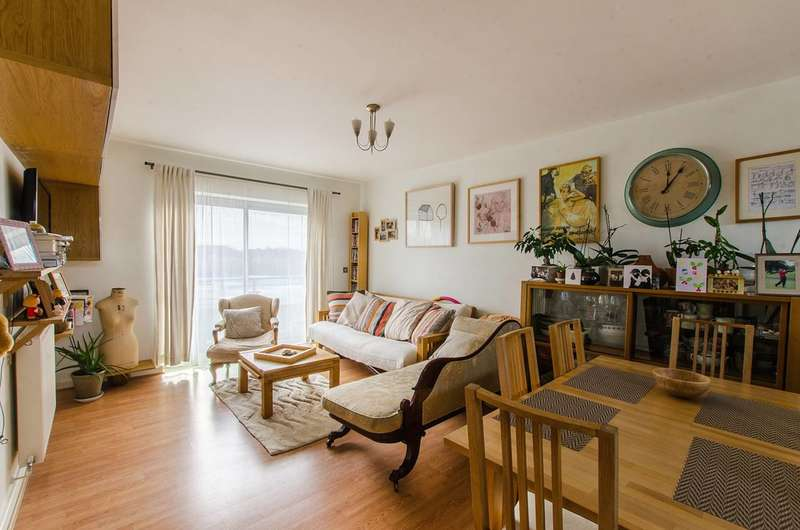 1 Bedroom Flat for sale in Newham Way, Beckton, E6