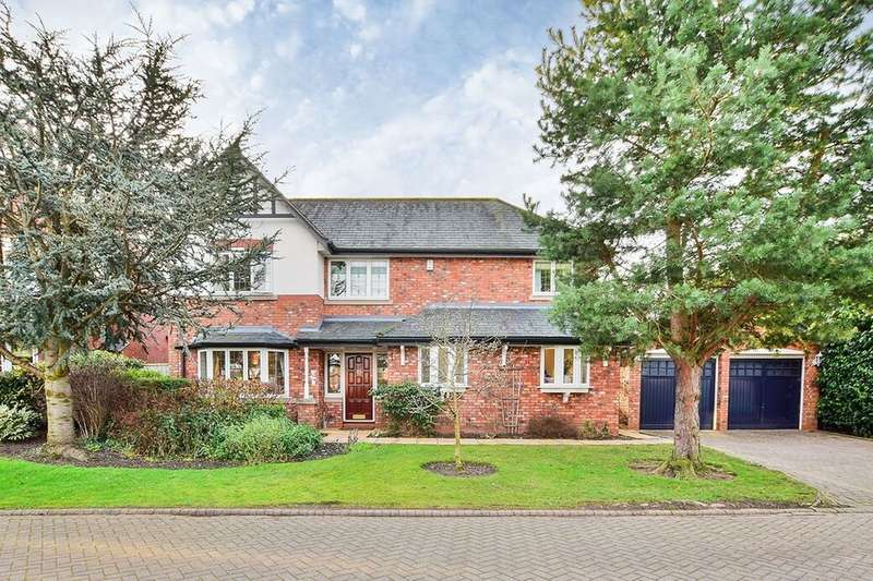 4 Bedrooms Detached House for sale in Queensbury Close, Wilmslow, SK9