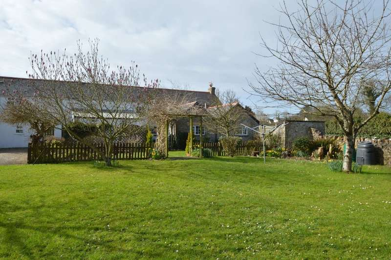 2 Bedrooms Cottage House for sale in Llanmaes, Near Llantwit Major, Vale of Glamorgan, CF61 2XR