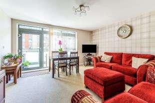 2 Bedrooms Flat for sale in Wallis Place, Hart Street, Maidstone, Kent
