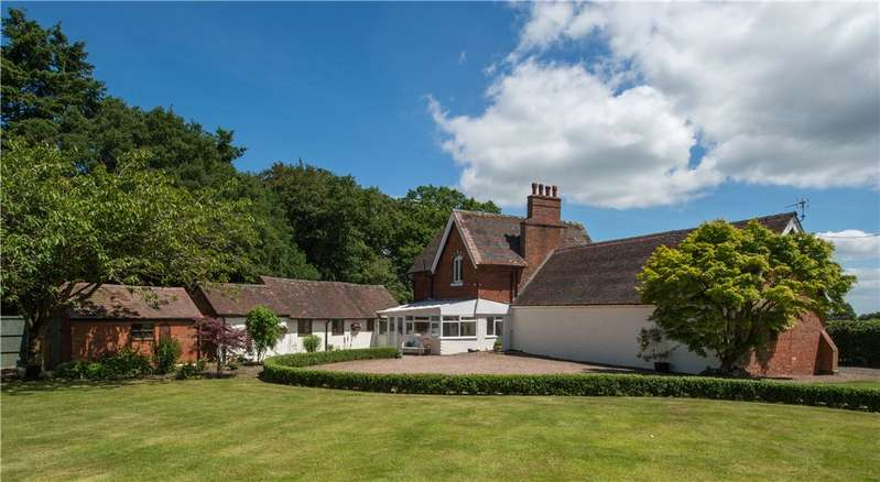 5 Bedrooms Detached House for sale in Hanley Broadheath, Tenbury Wells, Worcestershire, WR15