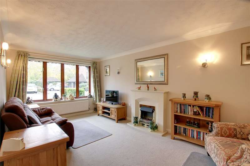 2 Bedrooms Apartment Flat for sale in Aspen Court, Chestnut Walk, Henley-in-Arden, B95