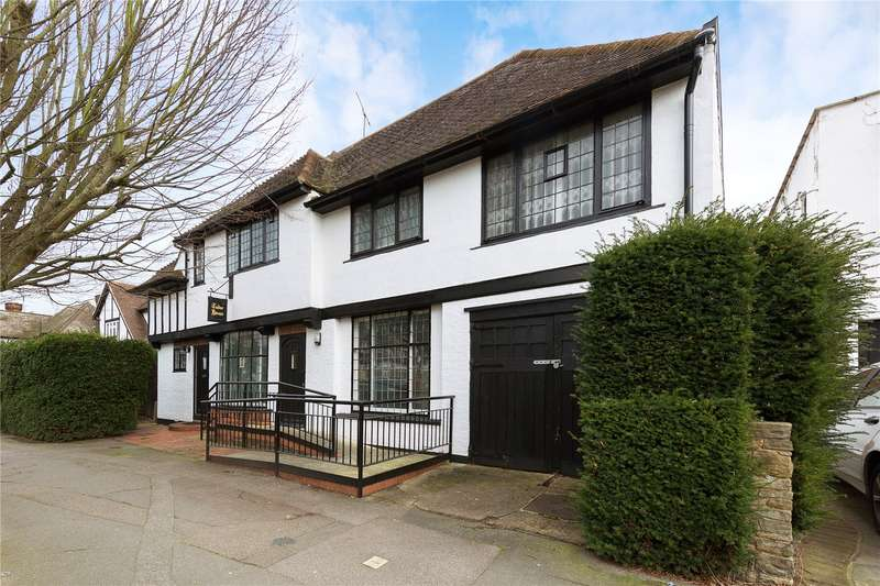 5 Bedrooms Detached House for sale in Balgores Square, Gidea Park, RM2
