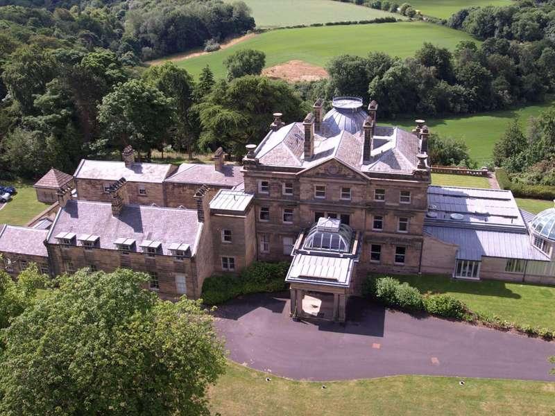 2 Bedrooms Apartment Flat for sale in Hartford Hall Estate, Bedlington