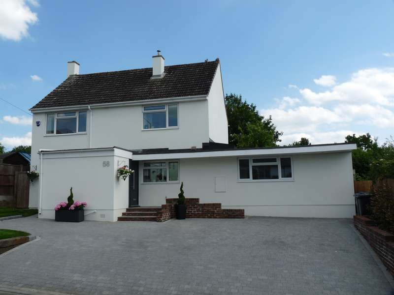 4 Bedrooms Detached House for sale in Hare Street Road, Buntingford, SG9 9HN