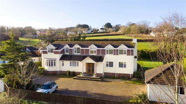 5 Bedrooms Detached House for sale in Stoke Road, Maidencombe, Torquay, Devon