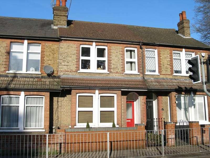 2 Bedrooms Terraced House for sale in London Road, Bushey