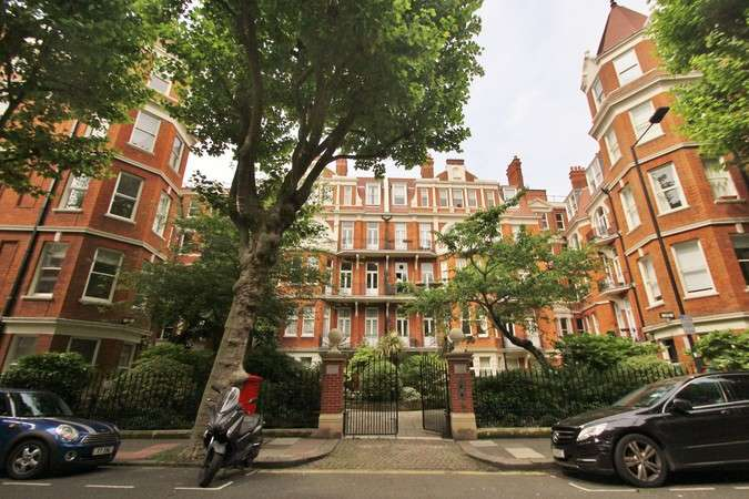 3 Bedrooms Flat for sale in Fitzgeorge Avenue, London