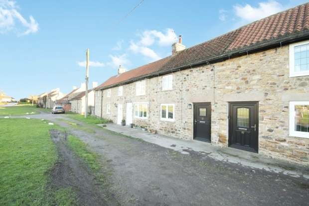 Terraced House for sale in Chapel Row, Richmond, North Yorkshire, DL11 7AU