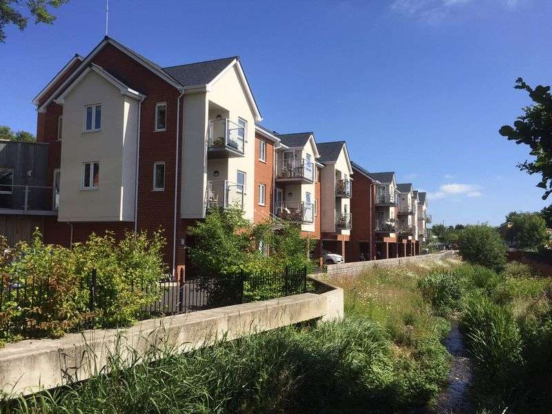 1 Bedroom Property for sale in Somers Brook Court, Newport: **FANTASTIC OPPORTUNITY. ALL REASONABLE OFFERS CONSIDERED. MUST BE VIEWED **