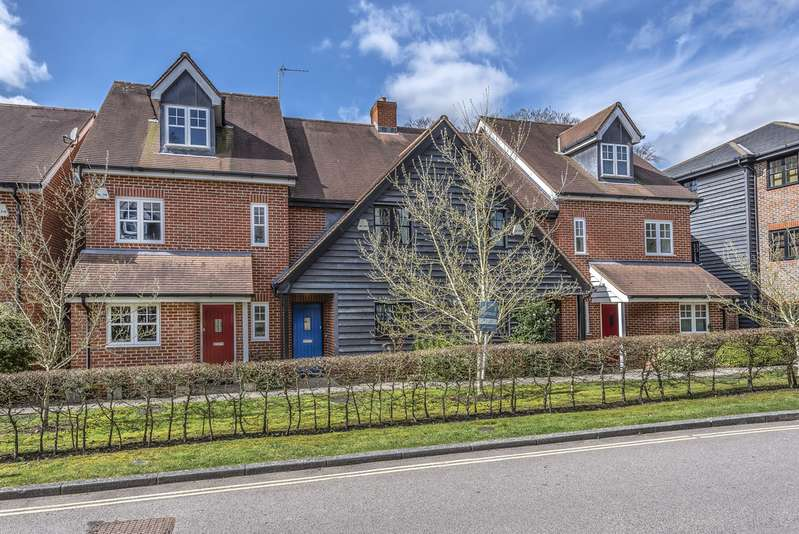 2 Bedrooms Terraced House for rent in Mill Place, Micheldever, Winchester SO21