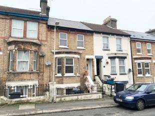 3 Bedrooms Terraced House for sale in Longfield Road, Dover, Kent