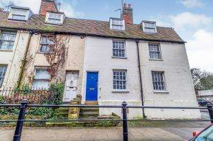 2 Bedrooms Terraced House for sale in Sandling Road, Maidstone, Kent