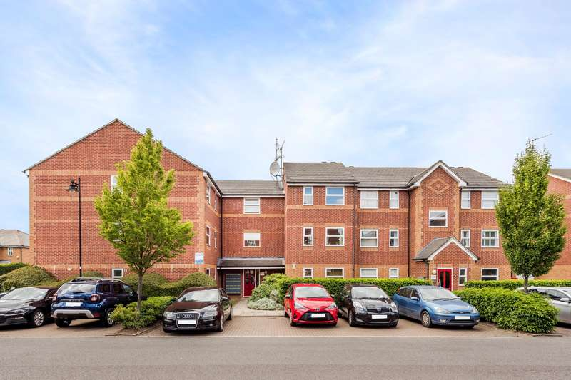 2 Bedrooms Flat for sale in Massingberd Way, Tooting Bec