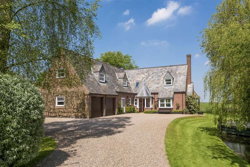 4 Bedrooms Detached House for sale in Main Street, Pickwell, Leicestershire