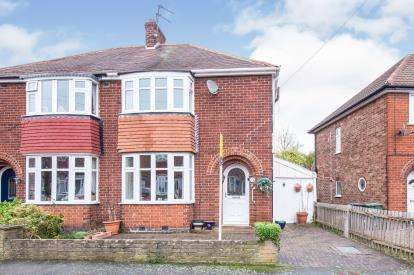 3 Bedrooms Semi Detached House for sale in Turner Avenue, Loughborough, Leicestershire, .