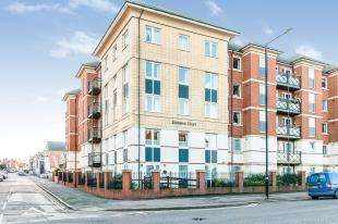 1 Bedroom Flat for sale in Dickens Court, Harold Road, Margate, Kent