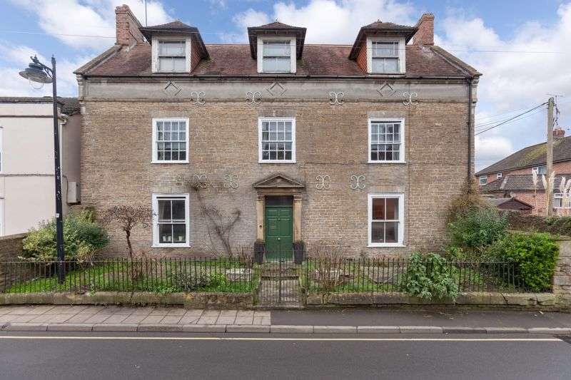 7 Bedrooms Property for sale in Quaperlake Street, Bruton