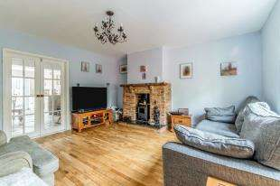 4 Bedrooms Semi Detached House for sale in Capstone Road, Gillingham, Kent