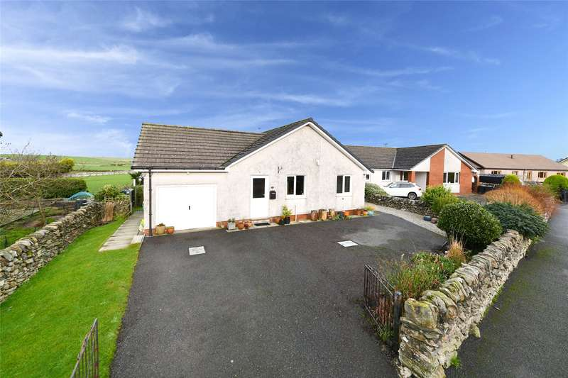 3 Bedrooms Detached Bungalow for sale in 18 St Ninians Grove, Whithorn, Newton Stewart, Dumfries and Galloway, DG8