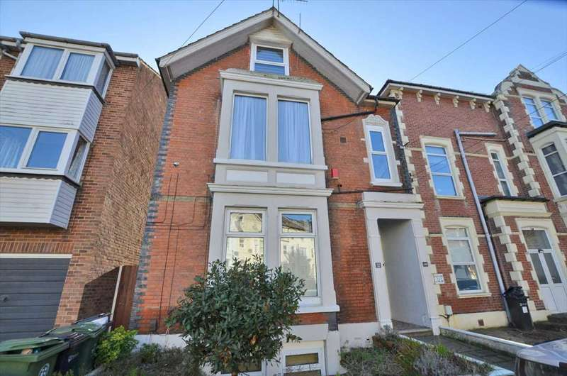 3 Bedrooms Maisonette Flat for sale in St Ronans Road, Southsea