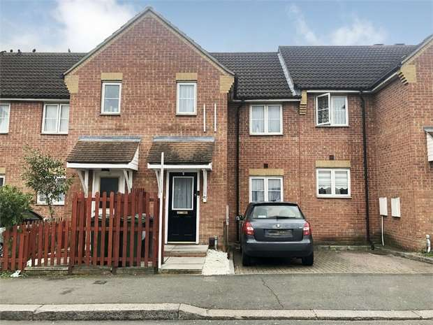 2 Bedrooms Terraced House for sale in Clifford Road, Walthamstow, London