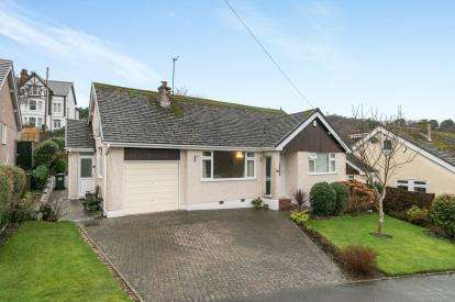 4 Bedrooms Detached House for sale in Bryn Celyn, Conwy, Conwy, North Wales, LL32