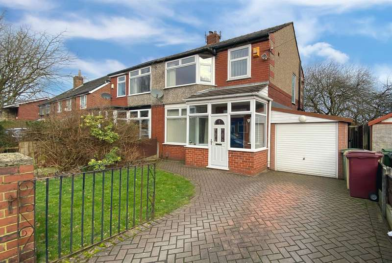 3 Bedrooms Semi Detached House for sale in Kildare Street, Farnworth, Bolton, BL4 9NX