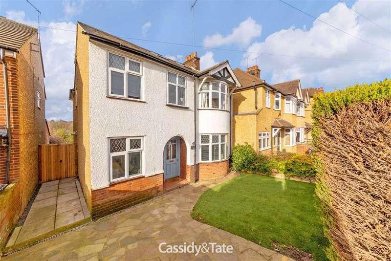 4 Bedrooms Property for sale in Langley Crescent, St. Albans, Hertfordshire