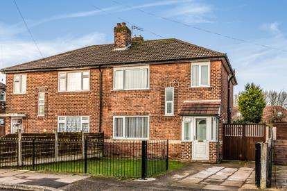 4 Bedrooms Semi Detached House for sale in Leyburn Avenue, Urmston, Manchester, Greater Manchester