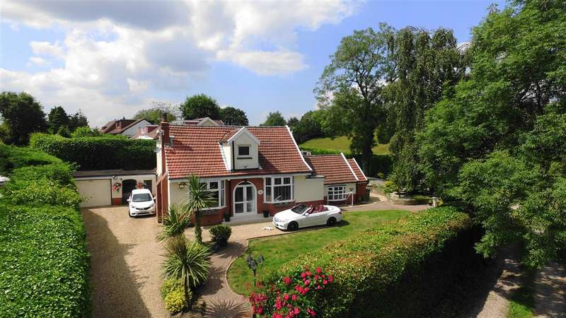 4 Bedrooms Detached House for sale in Craigleith, 2 Higher Austins, Lostock/Horwich