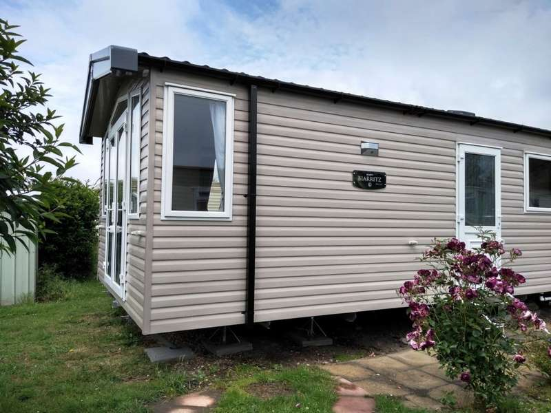 2 Bedrooms Caravan Mobile Home for sale in Sea End Caravan Park, Essex