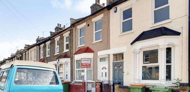 2 Bedrooms Property for sale in Pond Road, Stratford, E15