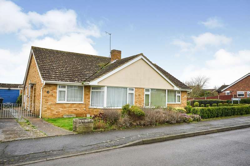 2 Bedrooms Semi Detached Bungalow for sale in Lullingstone Road, Maidstone, Kent, ME16