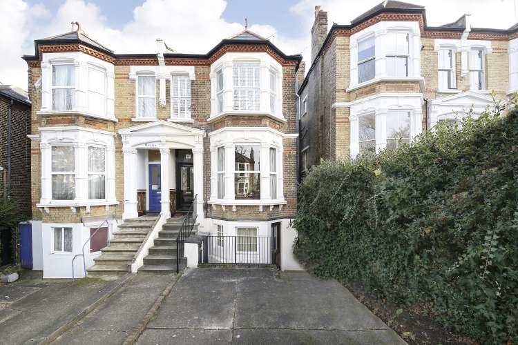2 Bedrooms Flat for sale in Pepys Road London SE14