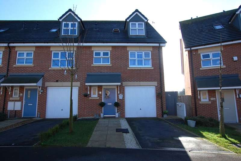 3 Bedrooms Property for sale in Shire Croft, Mossley, Ashton-Under-Lyne, OL5