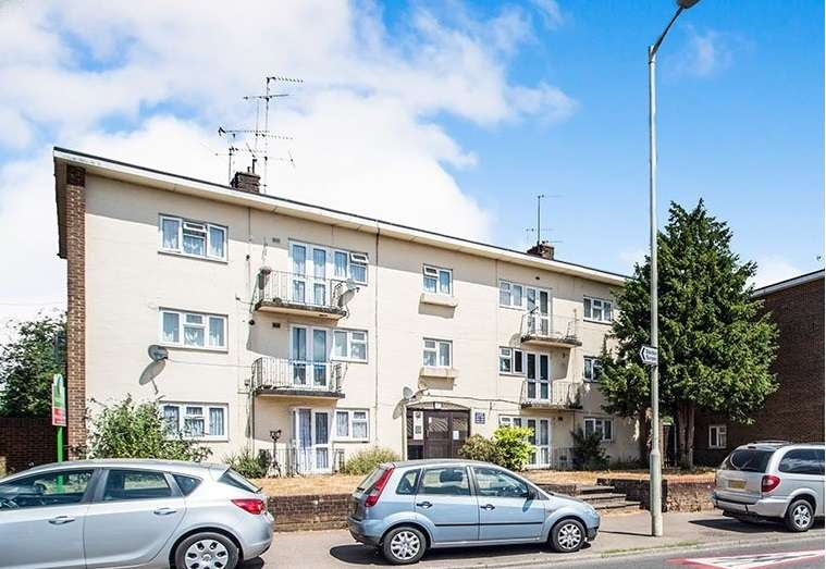 1 Bedroom Apartment Flat for sale in Long Chaulden, Warners End, Hemel Hempstead, Hertfordshire, HP1