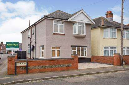 4 Bedrooms Detached House for sale in Woolston, Southampton, Hampshire