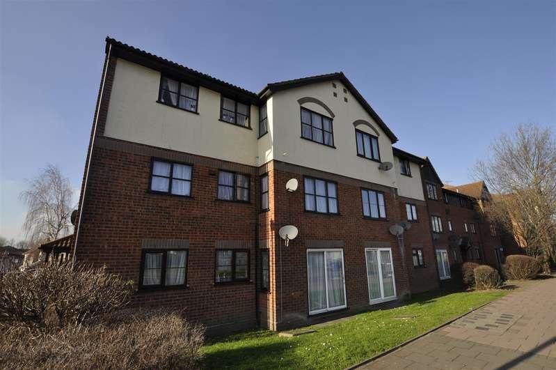 2 Bedrooms Flat for sale in Rainham Road South, Dagenham