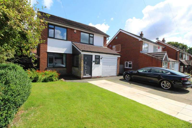 3 Bedrooms Detached House for sale in Markland Hill Close, Bolton