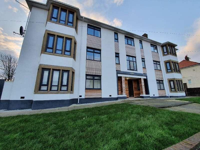 2 Bedrooms Flat for sale in Sandhurst Avenue, Bispham, FY2 9EB
