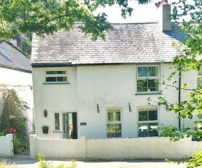 3 Bedrooms Semi Detached House for sale in River View, Brookside, Capelulo, Dwygyfylchi, LL34