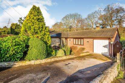 3 Bedrooms Bungalow for sale in Cae Fron, Denbigh, Denbighshire, North Wales, LL16