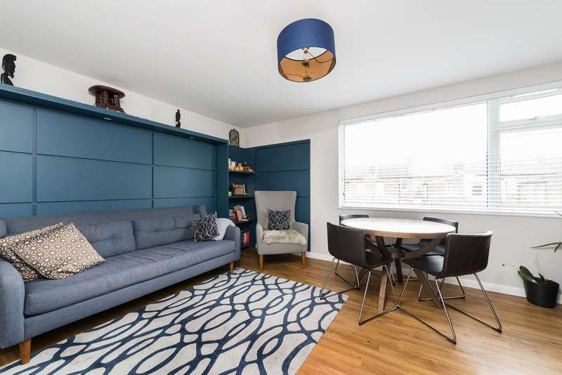2 Bedrooms Apartment Flat for sale in Dorryn Court, Trewsbury Road, Sydenham