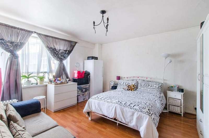1 Bedroom Flat for sale in Rennie Estate, SE16, Bermondsey, SE16