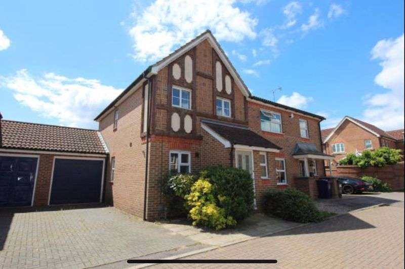2 Bedrooms Property for sale in The Chilterns, Stevenage