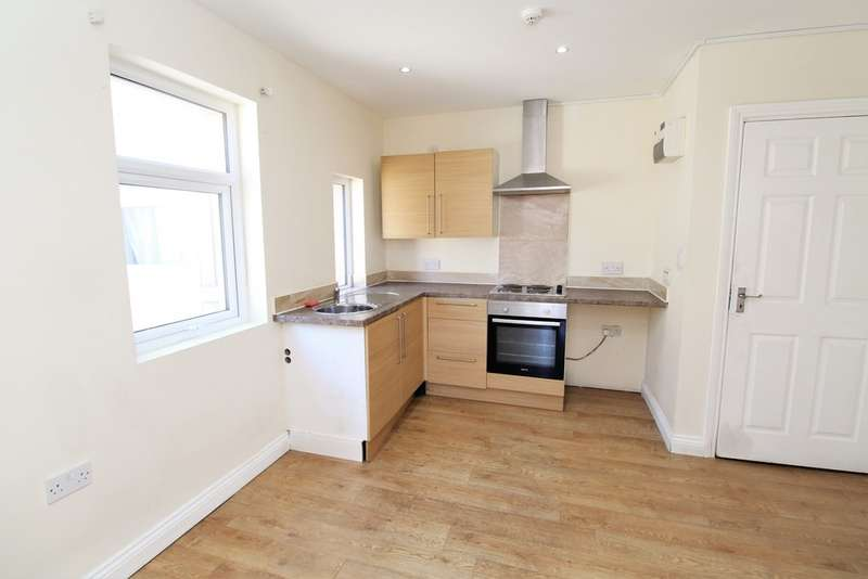1 Bedroom Flat for sale in St. Albans Road, Lytham St. Annes FY8