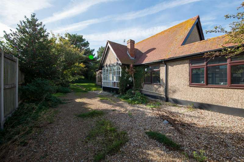 4 Bedrooms Detached Bungalow for sale in Westbrook Avenue, Margate